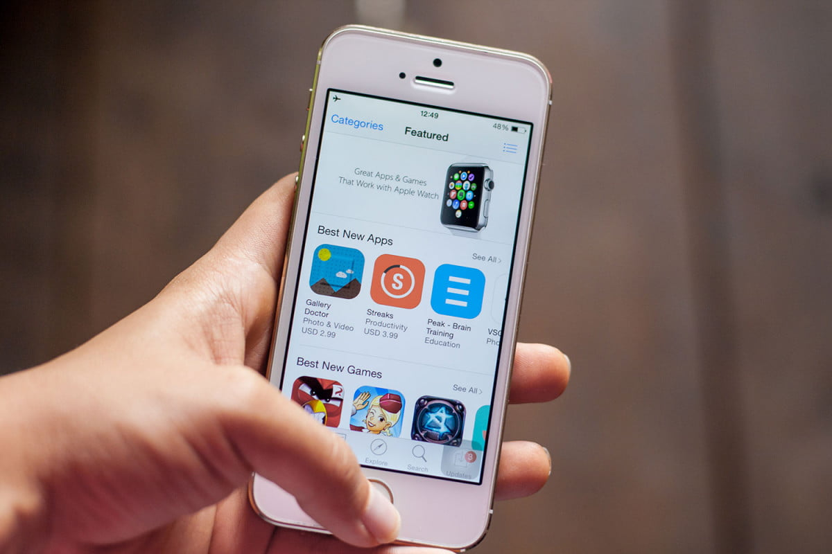 ios malware apple to alert affected iphone and ipad users app store