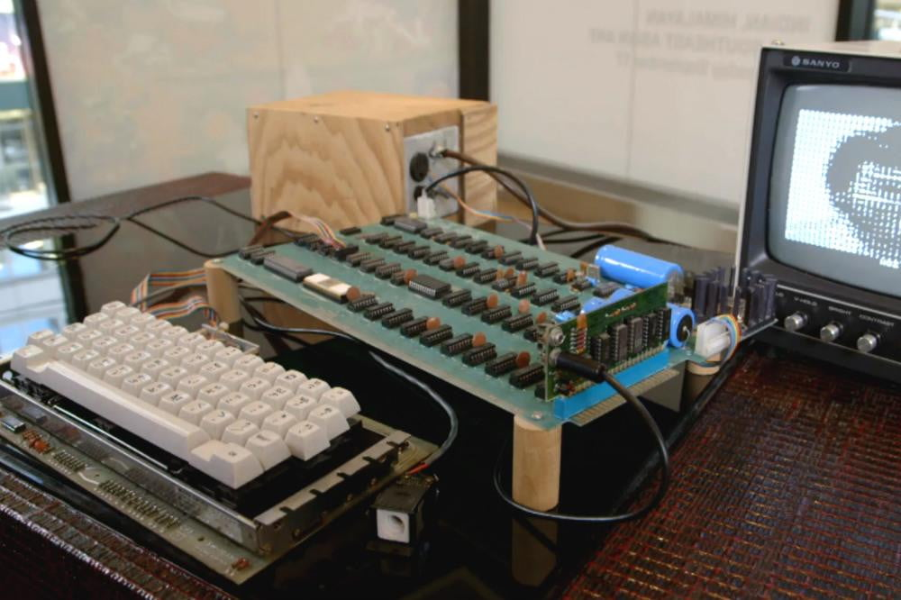 one of apples first computers fetches a whopping  at auction apple bonhams