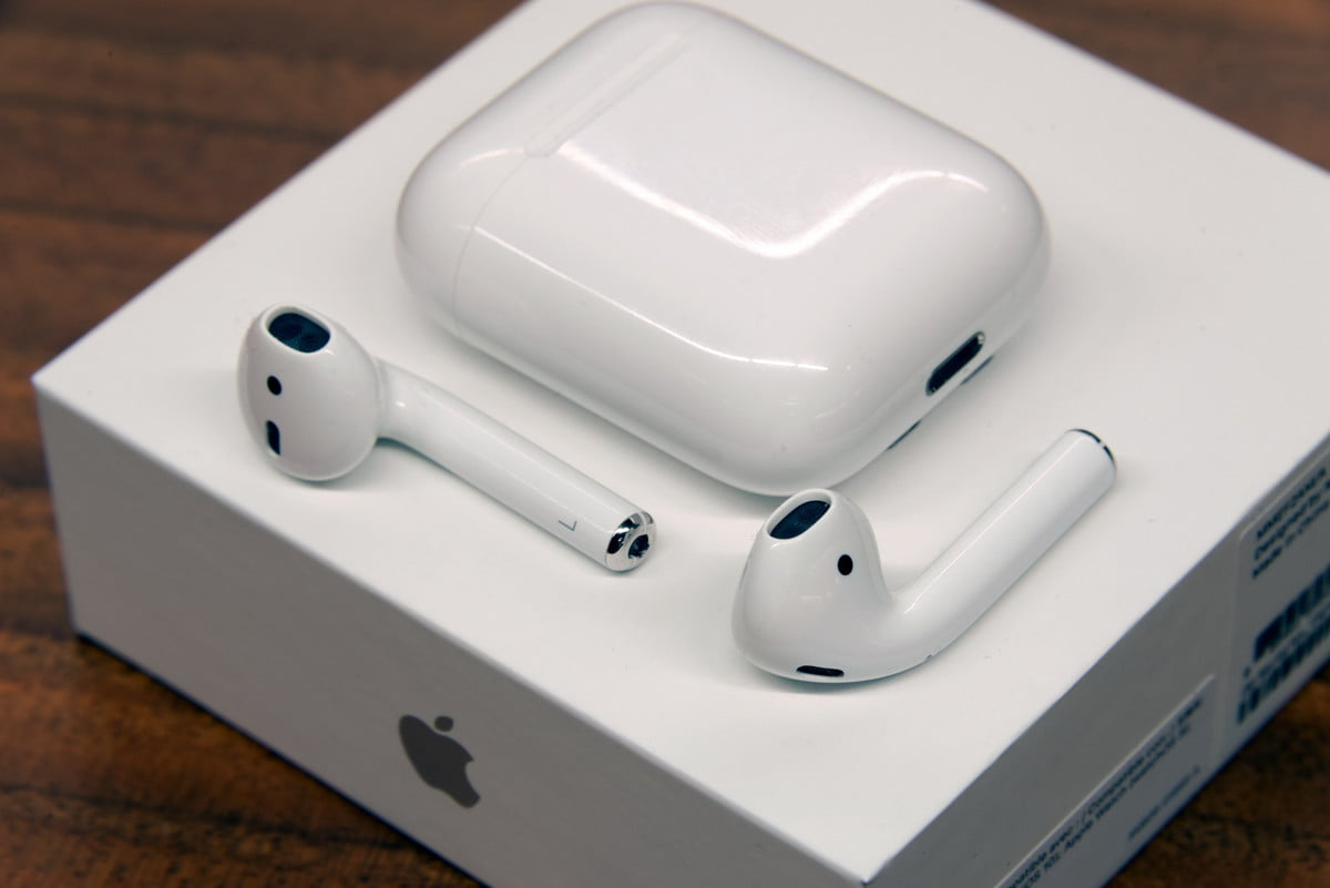apple airpods tips and tricks review