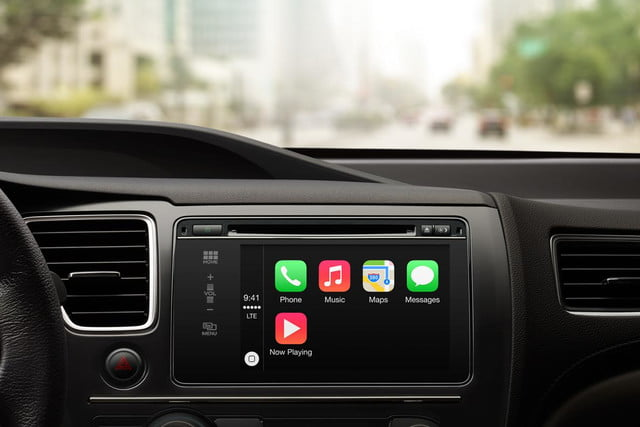 apple carplay draws concerns safety advocates