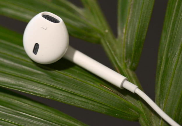 Apple Earpods headphones left