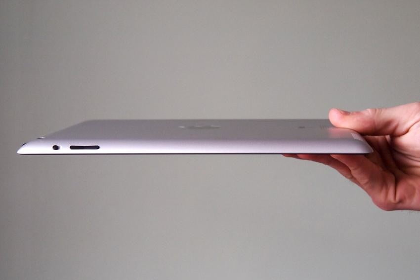 apple-ipad-2012-review-left-side