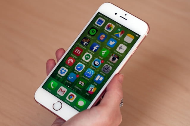 apple software vp on quitting apps multitasking iphone  s x
