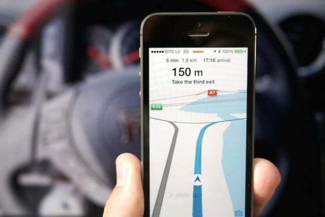 apple maps app update delayed