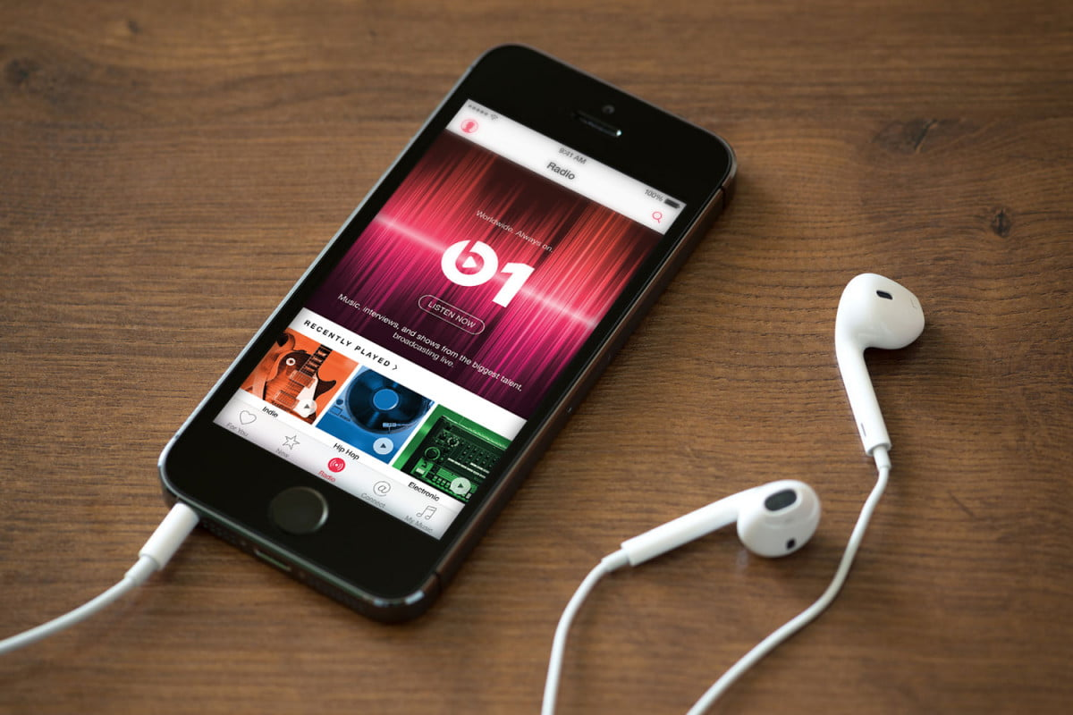 apple music has passed  million subscribers phone
