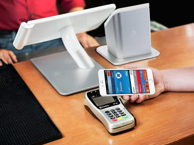 retailers blocking apple pay launching competitor pos