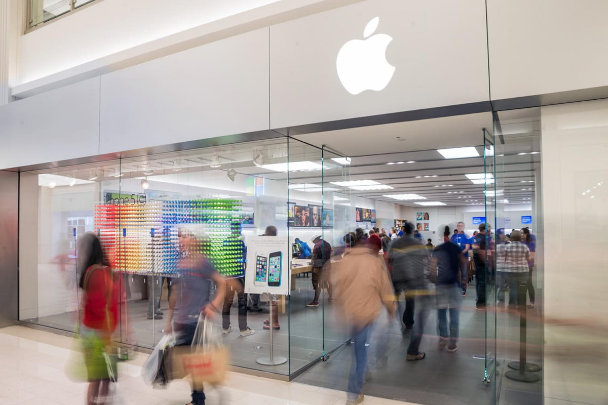 apple store about to roll out design changes iphone