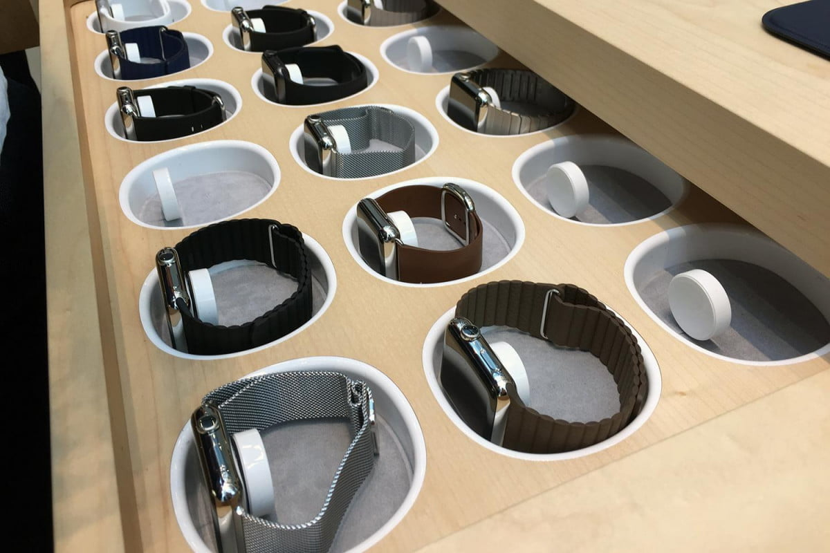apple watch pre orders hit  m in u s on first day data firm says hands