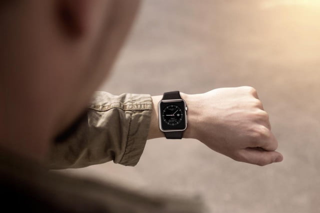 chinas army bans smartwatches and other wearable devices thanks to a girlfriends gift apple watch soldier