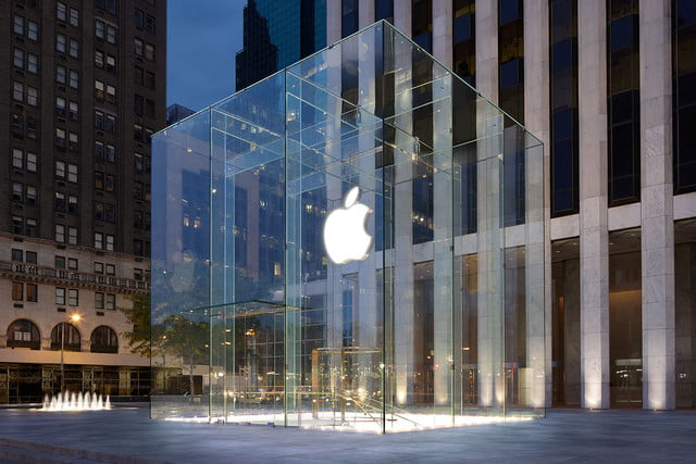 apple transparency report  end will drop plastic bags
