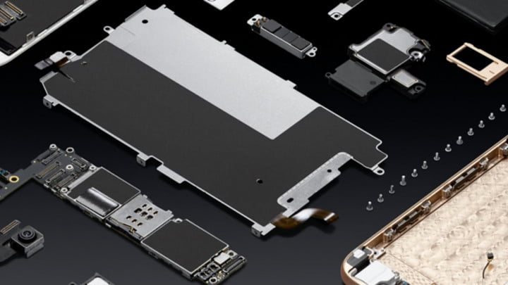 Apple's-new-recycling-robot-rips-old-iPhones-apart-in-search-of-gold,-and-more_