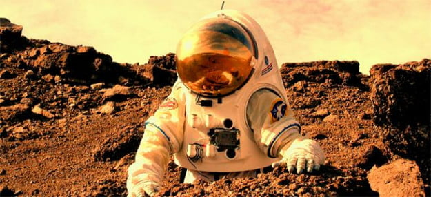 Astronauts-on-Mars-feature-large
