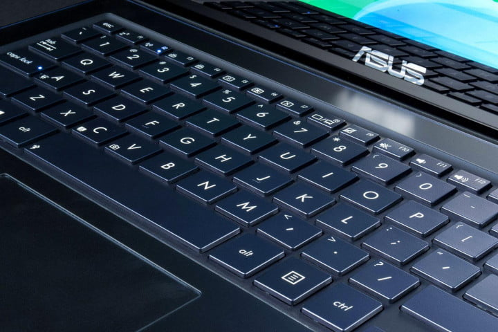 asus zenbook ux  la review ladh t keyboard