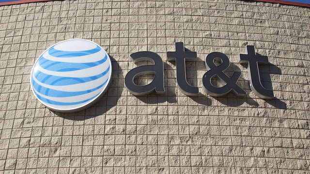 att losing subscribers at t feat