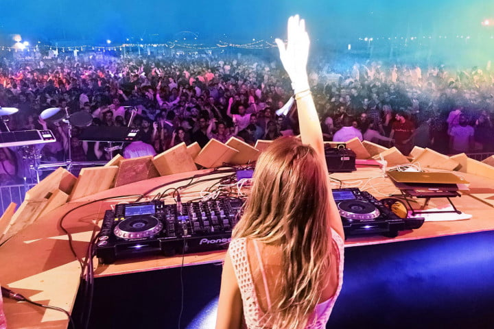 interview nora en pure on saltwater spotify hi res audio the audiophile