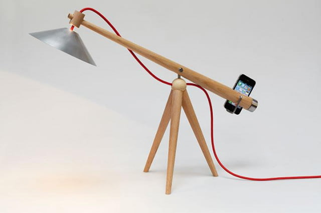 force yourself to stay focused with this clever desk lamp balance