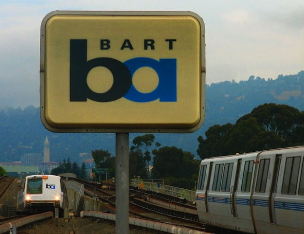 BART tracks and sign