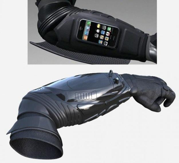 Batman-like-armored-iPhone-dock-brings-mobile-protection-for-you-and-your-smartphone