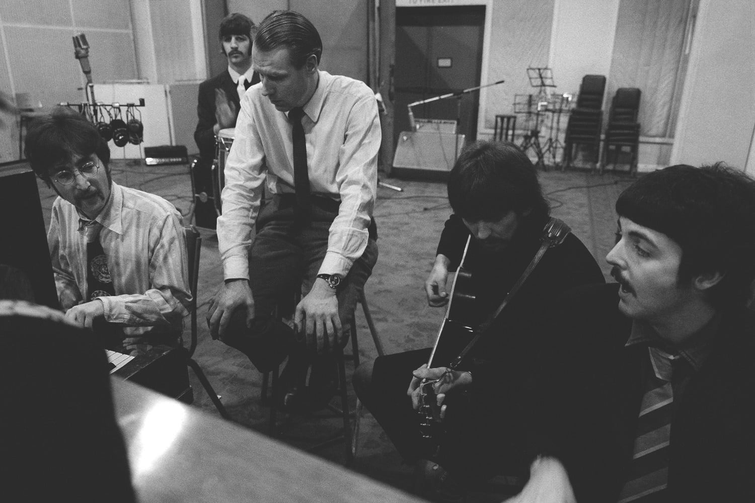 BEATLES-IN-MONO---The-Beatles---and-George-Martin---Abbey-Road-Studios-copy