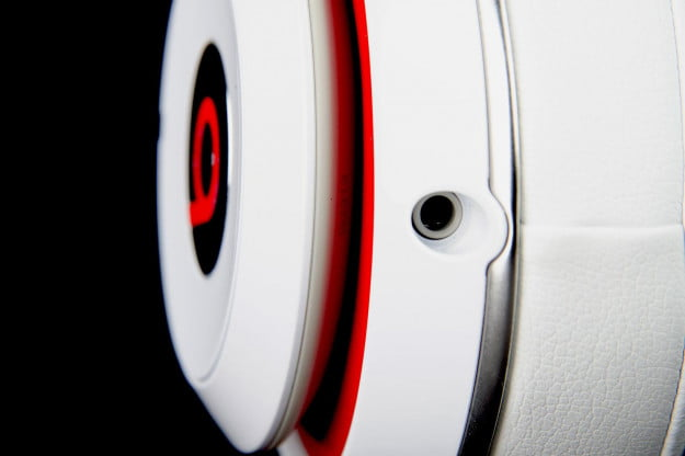 Beats by Dre Studio 2013 can audio port