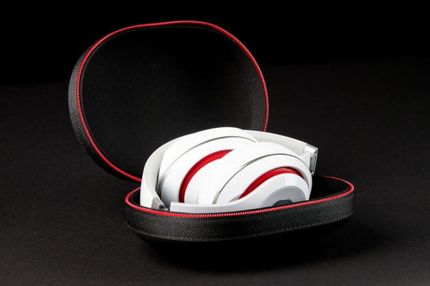 Beats by Dre Studio 2013 case angle
