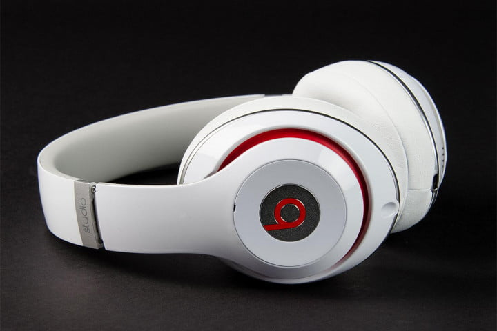 beats by dre studio review  side angle