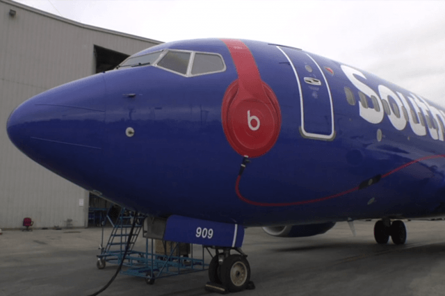 beats jets southwest airlines adds music flight services