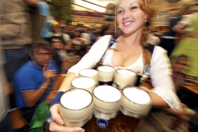 beer-alcohol-drinking-oktoberfest