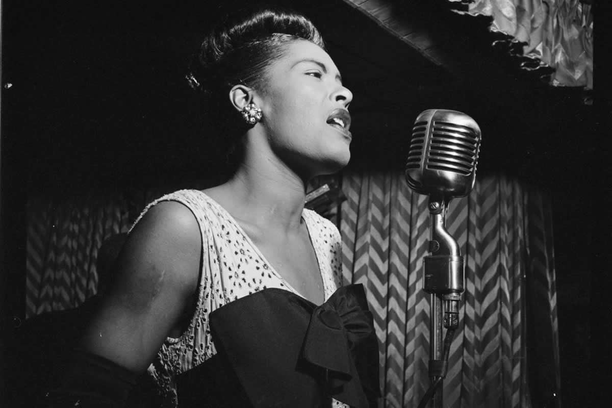 billie holiday returns to nycs apollo theater as a hologram