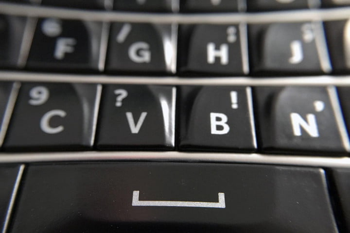 blackberry classic review keyboard