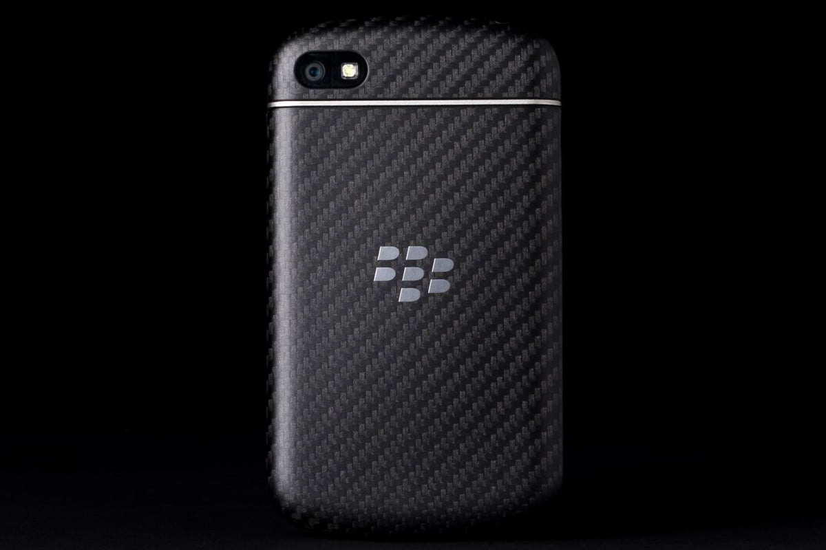 blackberry q  comes to sprint on august for review back