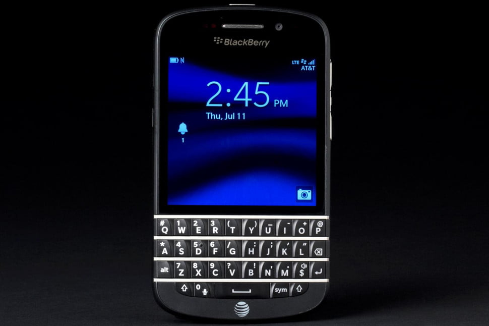 BlackBerry Q10 review front lock screen
