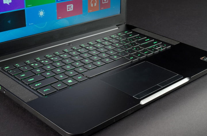 Blade laptop review keyboard and trackpad