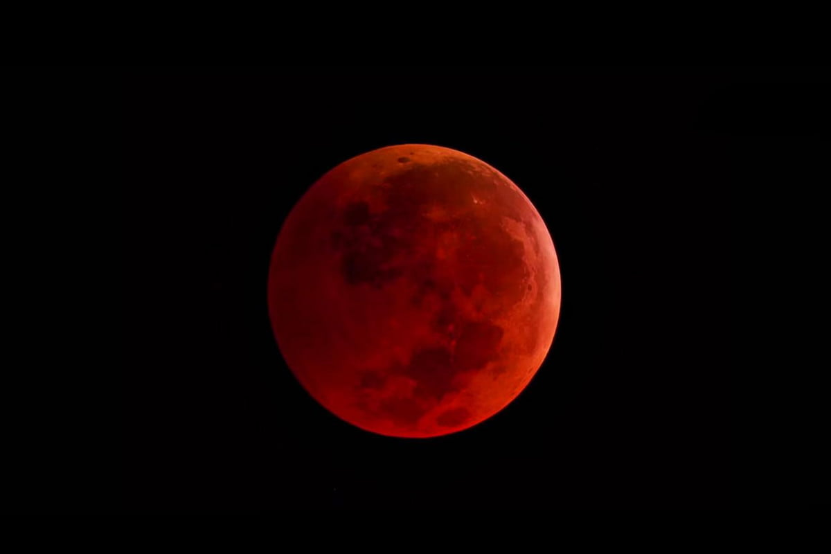 first series rare blood moon eclipses begins april