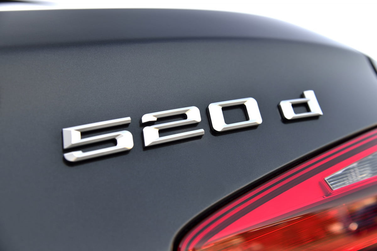 bmw committed to diesel news quotes reports  d touring sophistograu brillanteffekt kw ps