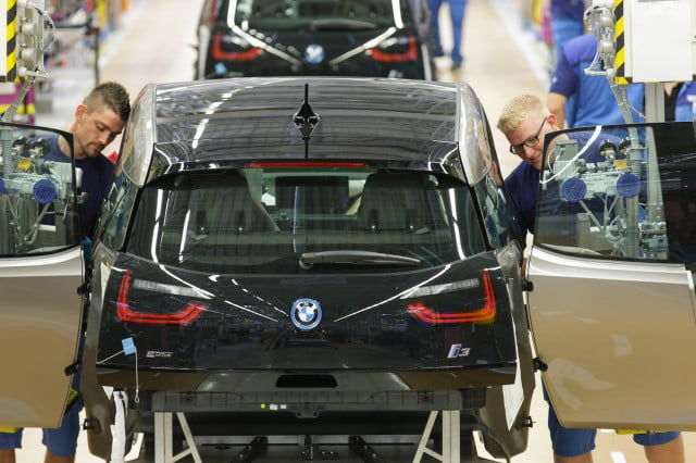 is bmw looking to undercut the sales of forthcoming tesla model e with an i  ev sedan assembly