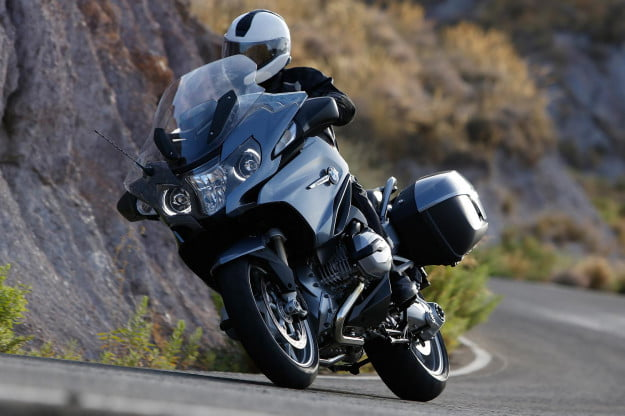 BMW-R1200RT-cornerfront