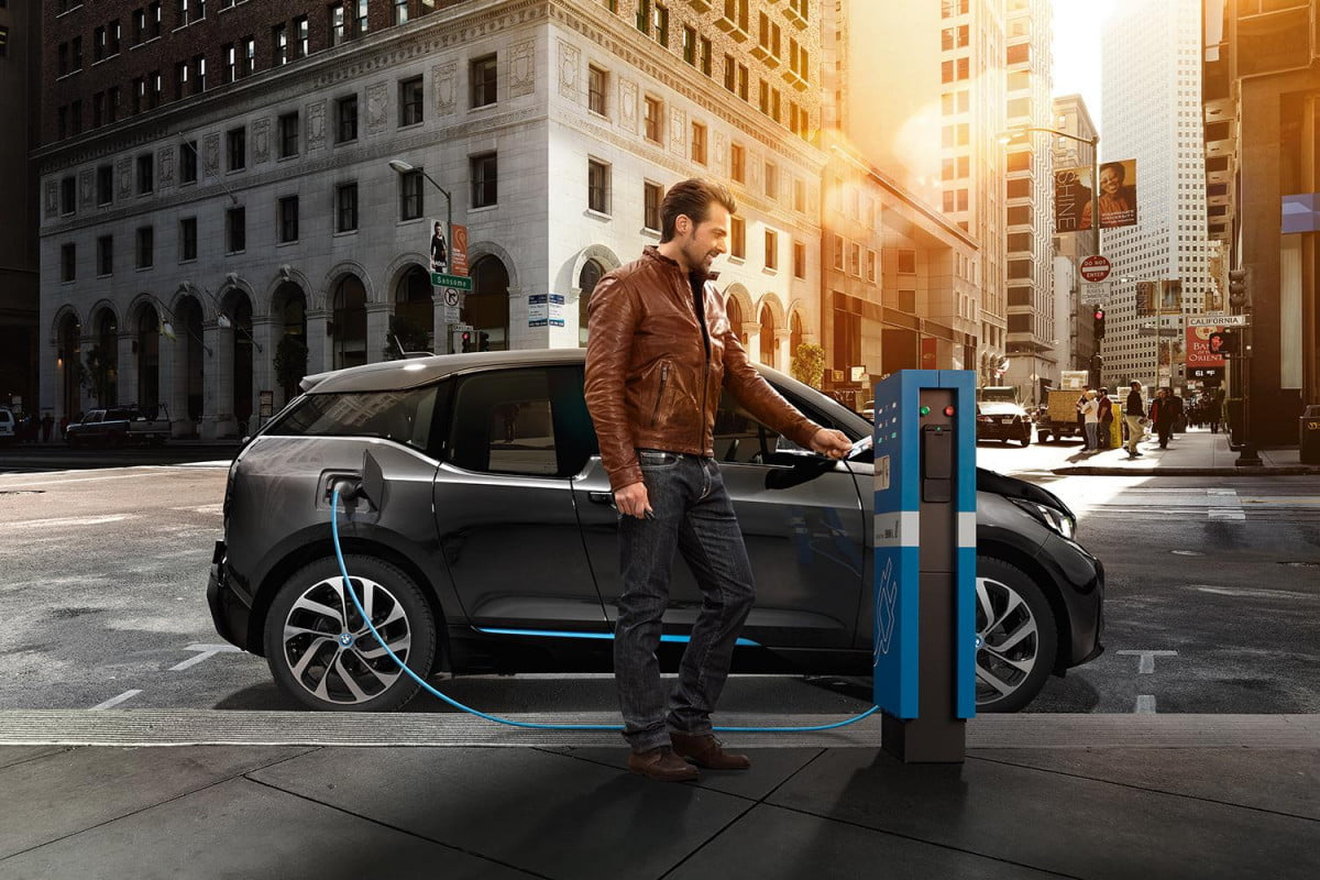 bmws evs fast chargers bmw i center charging stations
