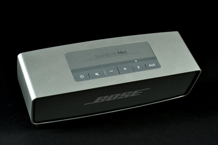 bose soundlink mini review top angle