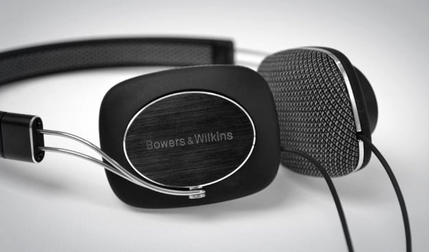 Bowers Wilkins P3 Review headphones details over the ear