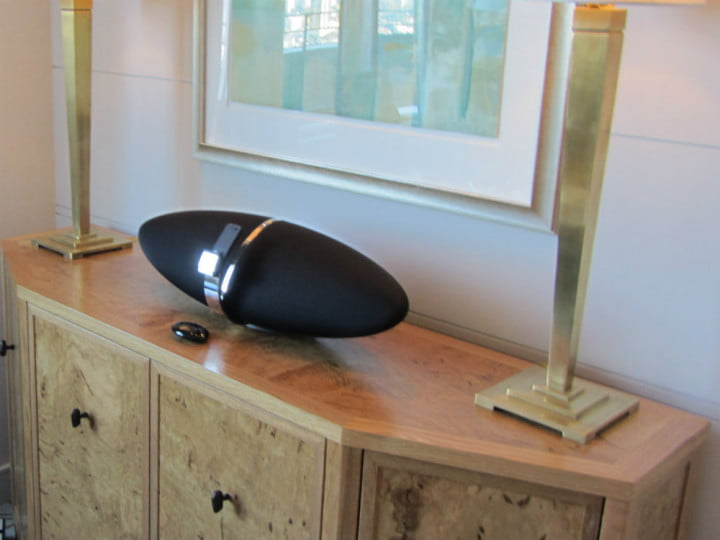 hands on with bowers and wilkins new iphone speaker docks zeppelin lcm