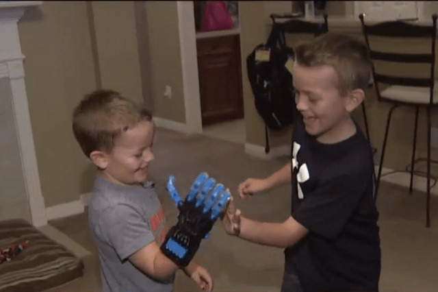 year old texas boy gets d printed prosthetic helping hand