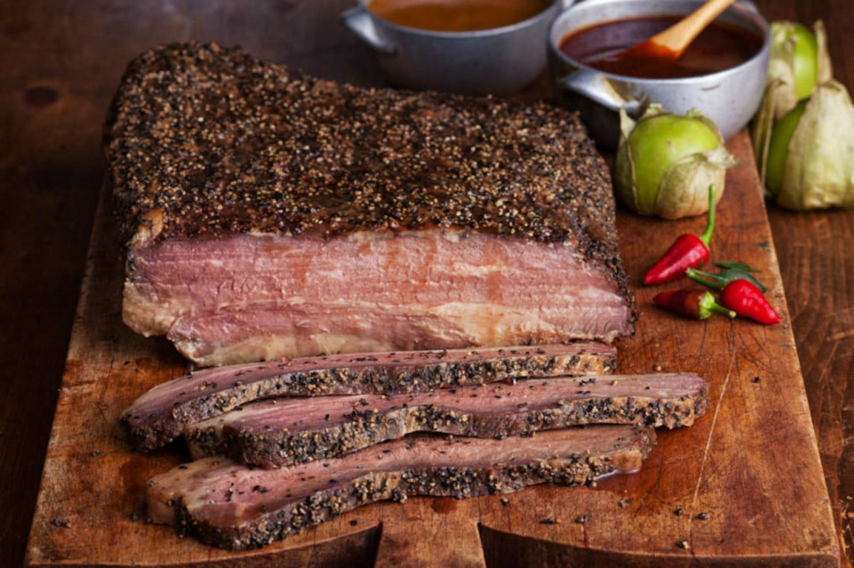 harvard students smoker makes amazing brisket