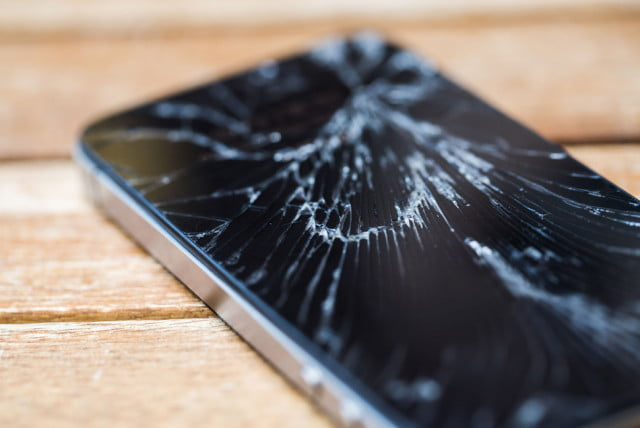 att extends period for customers to insure devices broken phone