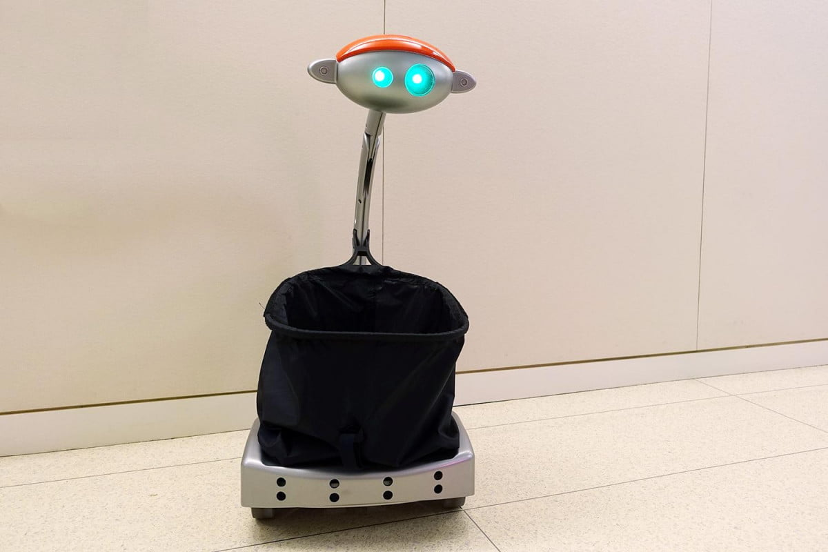 budgee is a follow me robot that carries your things bot
