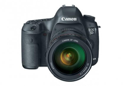 Canon EOS 5D Mk III front with lens