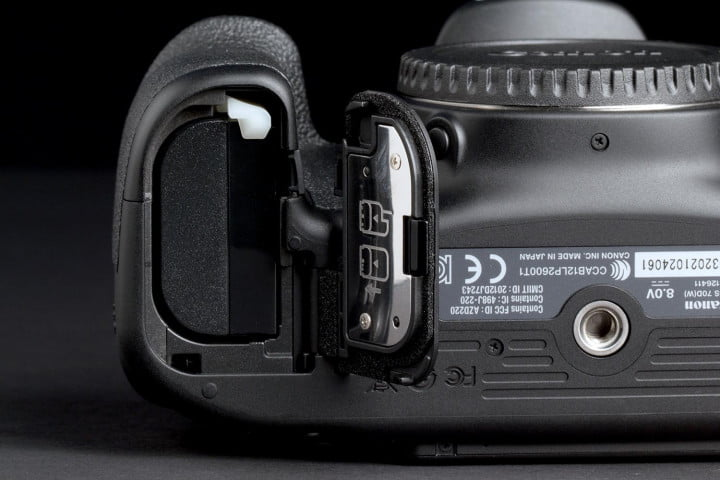 canon eos  d review battery