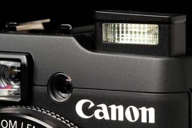 Canon G16 Camera flash popup