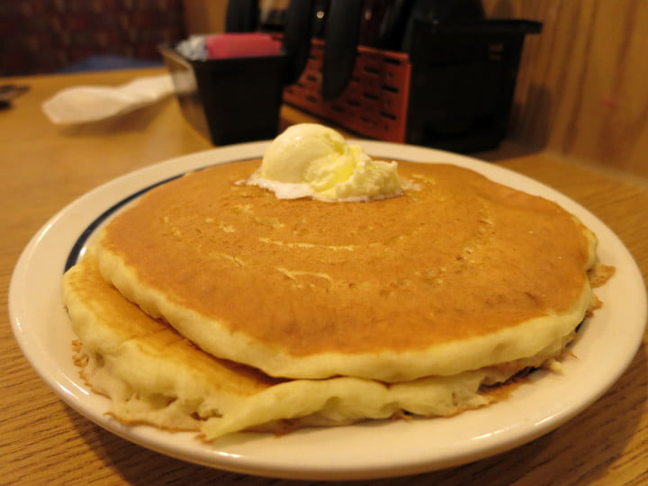 canon powershot s  review sample image pancakes