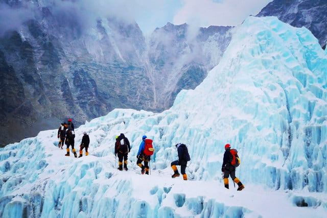 high altitude hypoxia acclimation research capturing everest